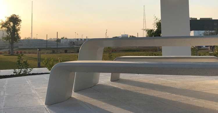 AURORA TABLE