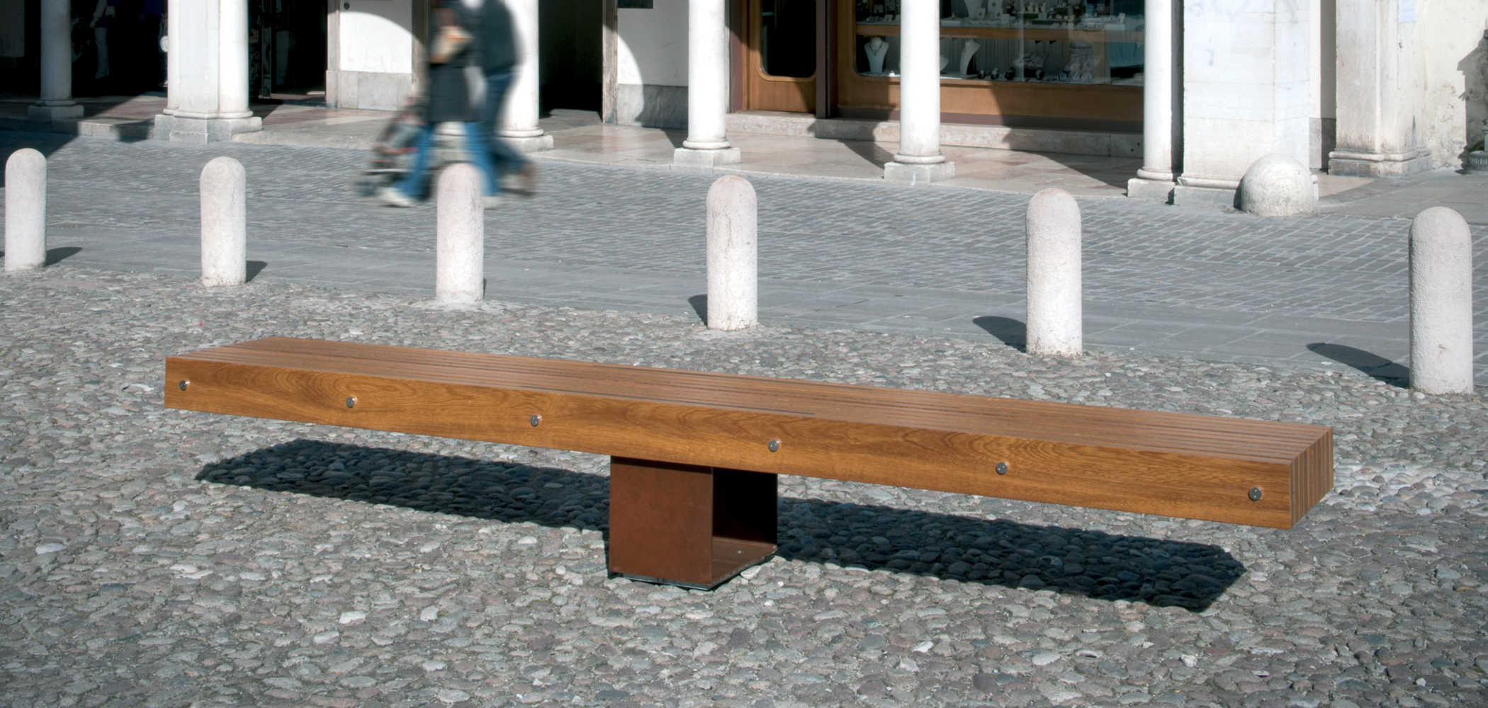 IDEAS T BENCHES
